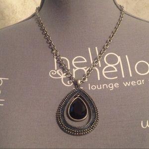 Jewelry - Silver Tone Teardrop Necklace